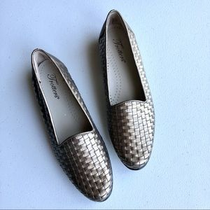 Trotters Liz Leather Loafer in Pewter Size 7.5N
